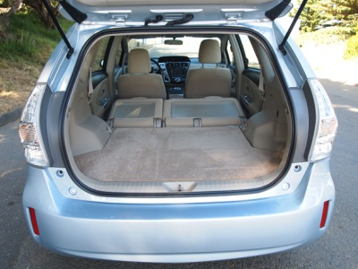 green update 2012 prius v to arrive this fall the cargurus blog. Black Bedroom Furniture Sets. Home Design Ideas